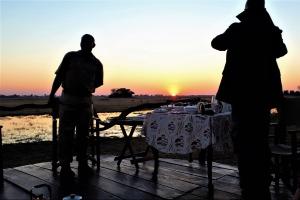 ontbijt bij zonsopkomst