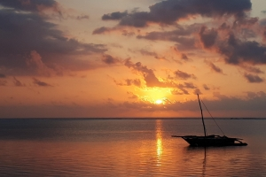 Zanzibar zonsopkomst op het strand